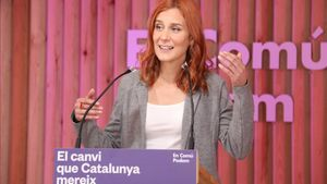 Jessica Albiach, candidata de En Comú Podem, en un acto en la sede de los 'comuns' en Barcelona.