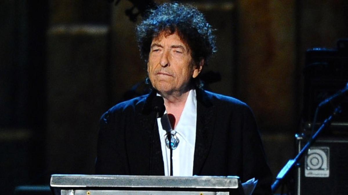 El cantautor estadounidense Bob Dylan no acudirá finalmente a Estocolmo en diciembre para recoger el Premio Nobel de Literatura