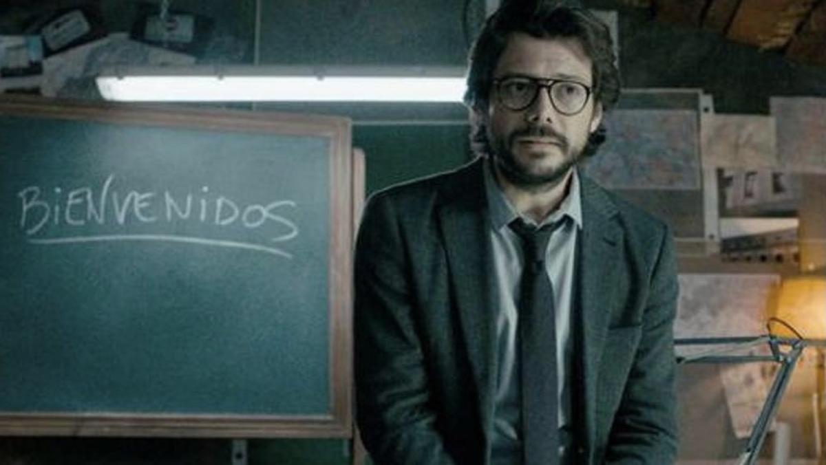 Álvaro Morte, 'El profesor' de 'La casa de papel', totalmente irreconocible con su nuevo cambio de look