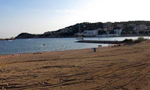 Al fondo, la Punta de Garbí, lugar del siniestro.