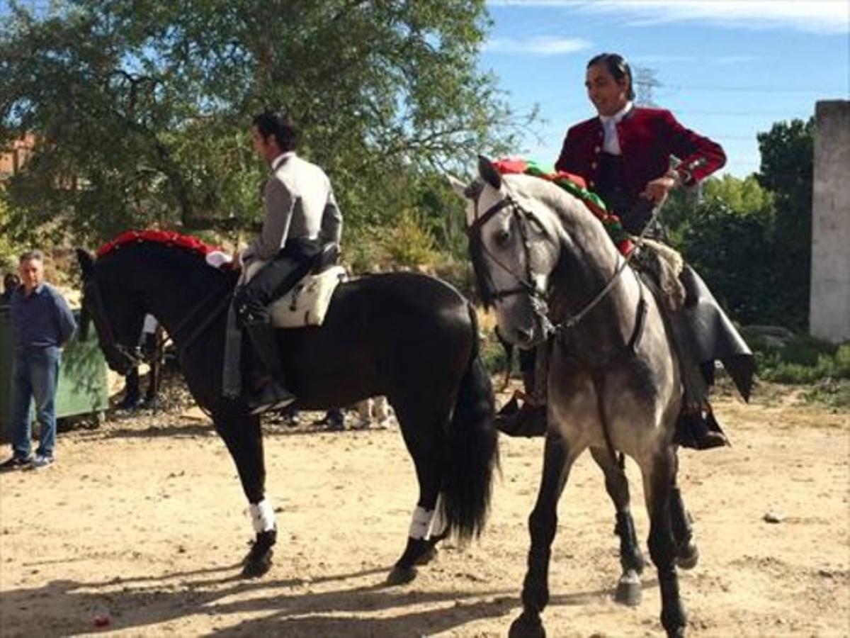 FIESTA MAYOR. Rejoneadores, antes de participar en un espectáculo taurino en la plaza de Tordesillas en la víspera del Toro de la Vega.