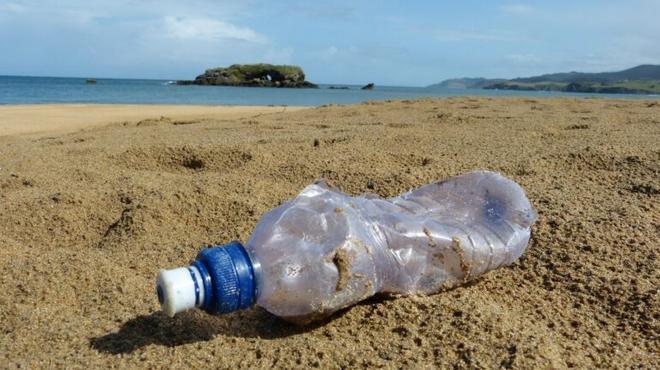El Gobierno grava los plásticos de un solo uso