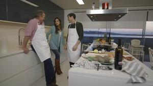 Bertín Osborne, con Iker Casillas y Sara Carbonero en 'En la tuya o en la mía'.
