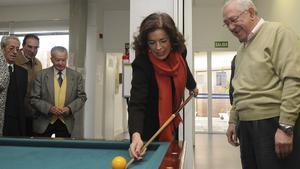 Ana Botella hizo las polémicas declaraciones sobre Burgos durante su visita la centro municipal de mayores Pío Baroja, en Madrid, ayer.