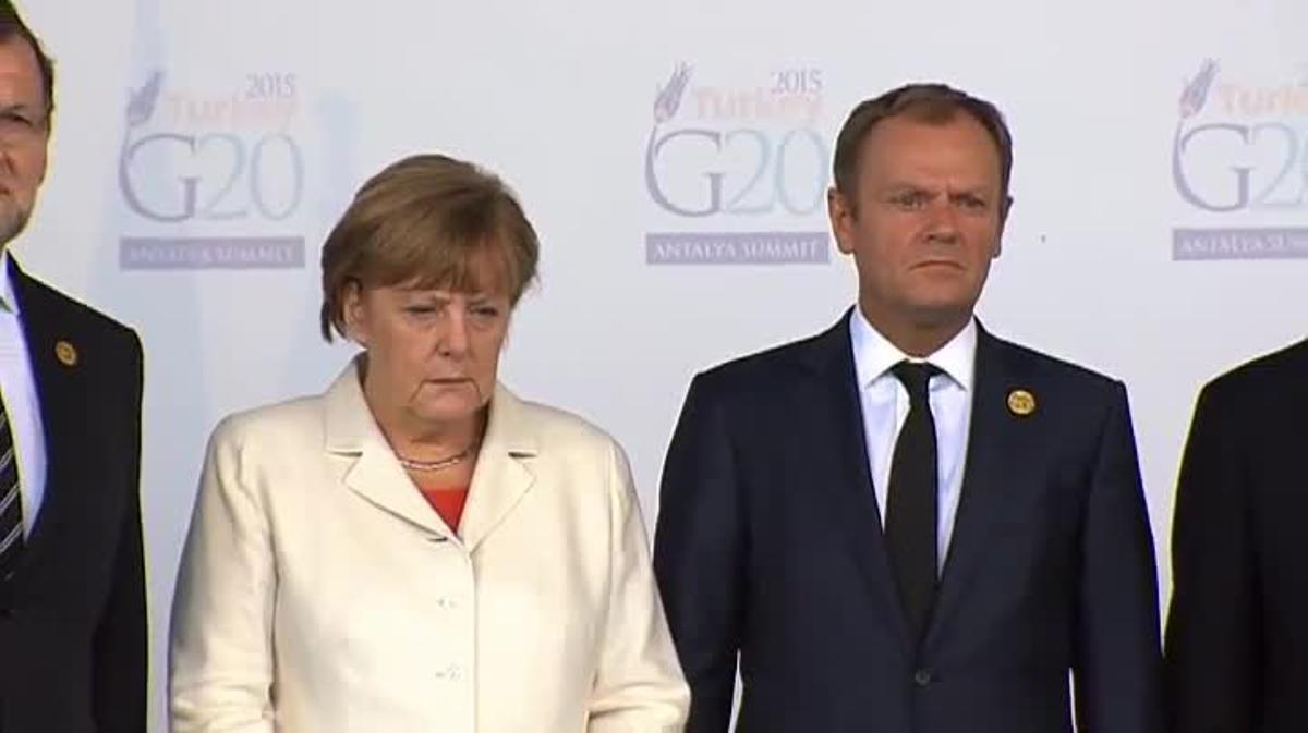 Minuto de silencio de los líderes europeos en la cumbre del G20.Gestos de solidaridad con el ministro de Exteriores francés.