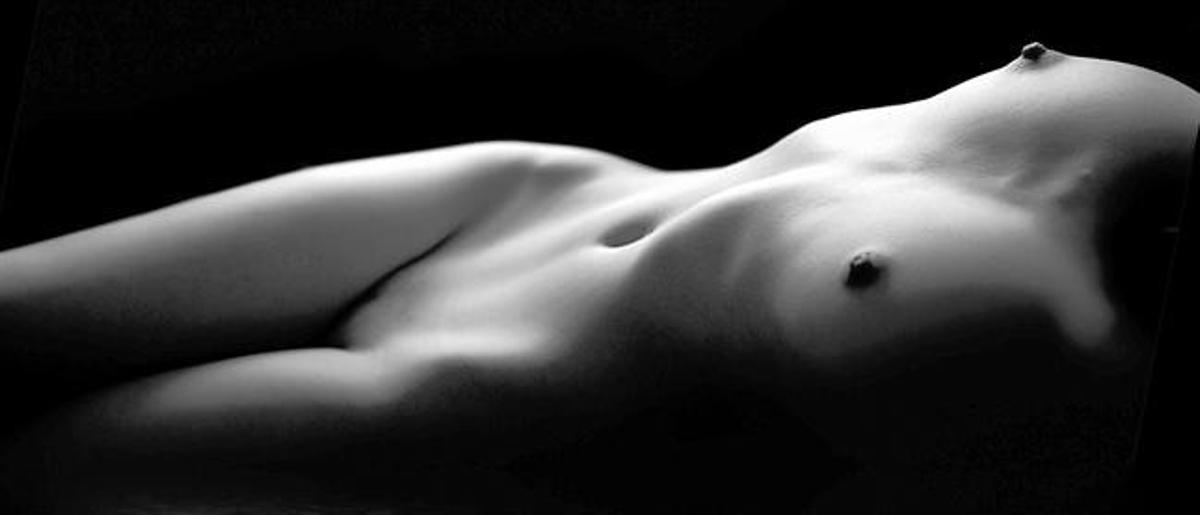 Patró hegemònic 8 La simbologia preponderant del bust femení que promou avui la indústria cultural és infinitament més sexual que maternal o de fertilitat.