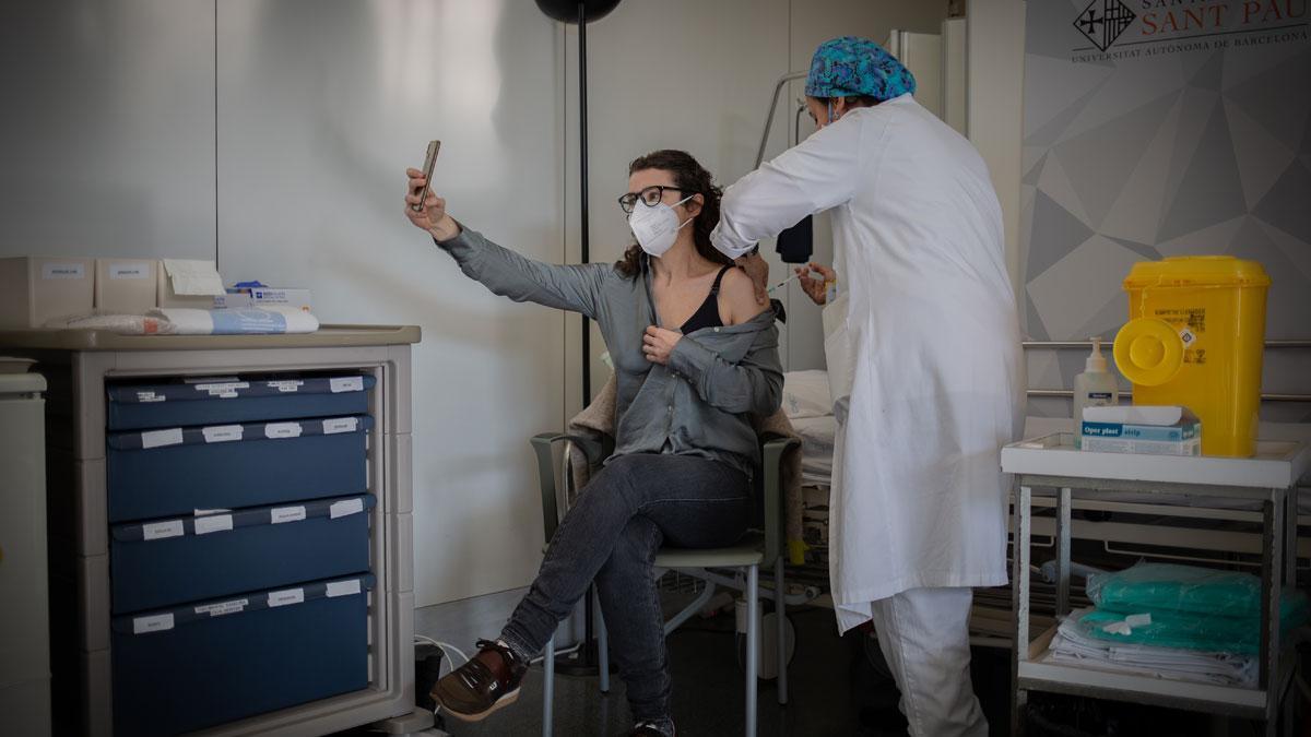 Salut demana vacunar-se als professionals sanitaris que encara no ho estiguin