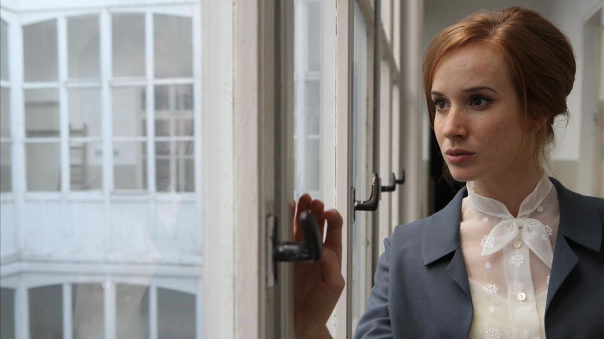 La actriz Tatiana Pauhofová en una escena de 'Burning bush'.