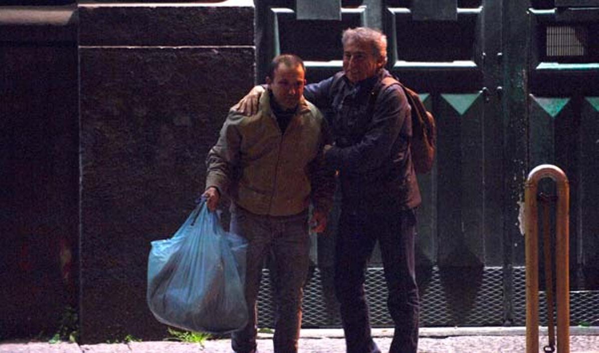 Óscar Sánchez, el lavacoches de Montgat, sale en libertad de la cárcel de Nápoles en la que ha estado 20 meses preso por error.
