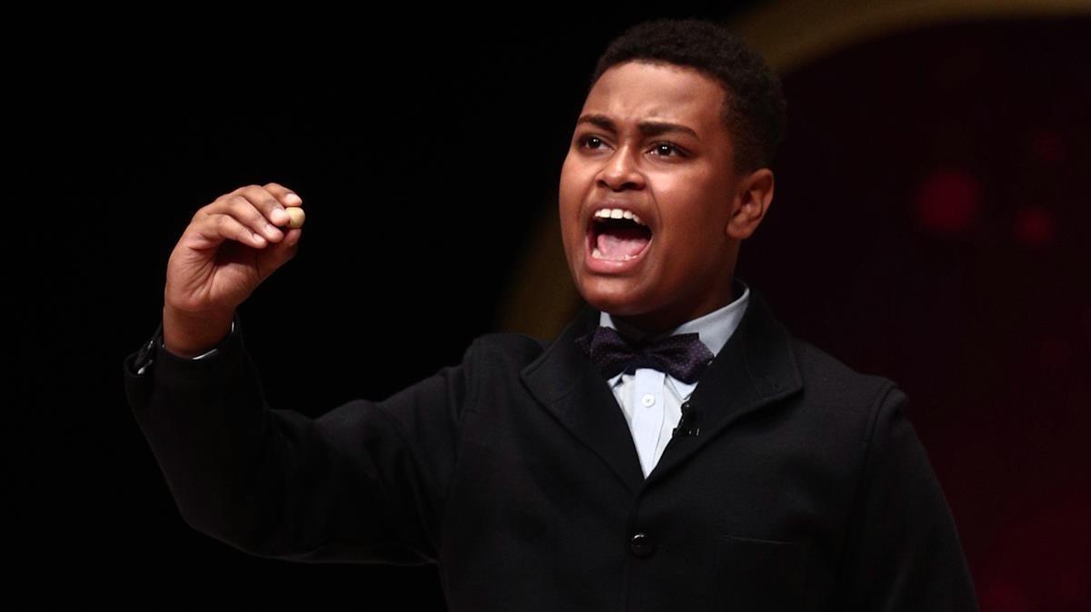Alexander René Herrera canta el 72897, agraciado con el Gordo del Sorteo Extraordinario de la Lotería de Navidad