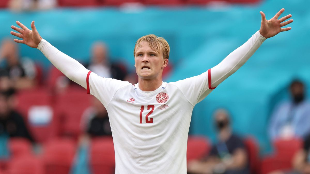 Kasper Dolberg, tras marcar el primer gol de Dinamarca a Gales con un derechazo desde el borde del área.