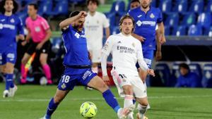Momento del partido entre el Getafe y el Real Madrid.