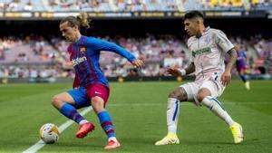 Griezmann durante el partido de liga en el Camp Nou  entre el Barça y el Getafe