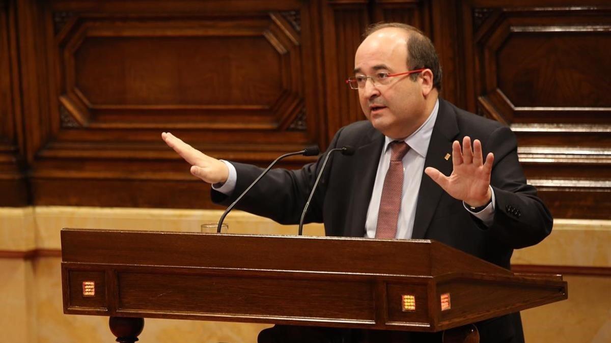 El primer secretario y diputado por el PSC, Miquel Iceta, durante una intervención en el Parlament de Catalunya.