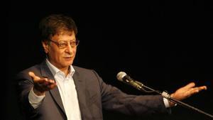 Mahmoud Darwish.