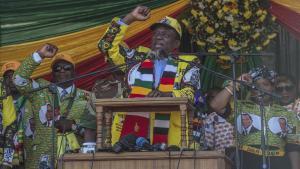 El presidente Emmerson Mnangagwa, en el cierre de campaña en Harare.