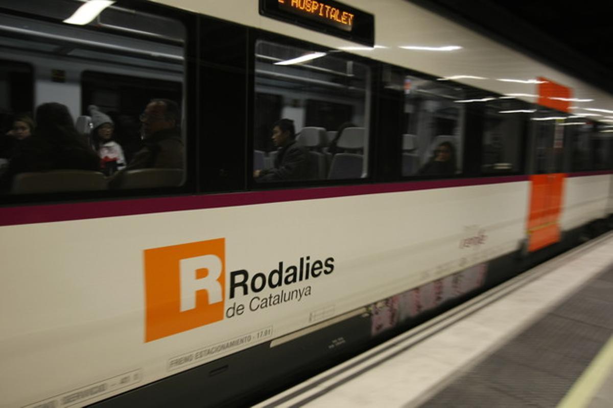 Un tren de Rodalies en La Sagrera
