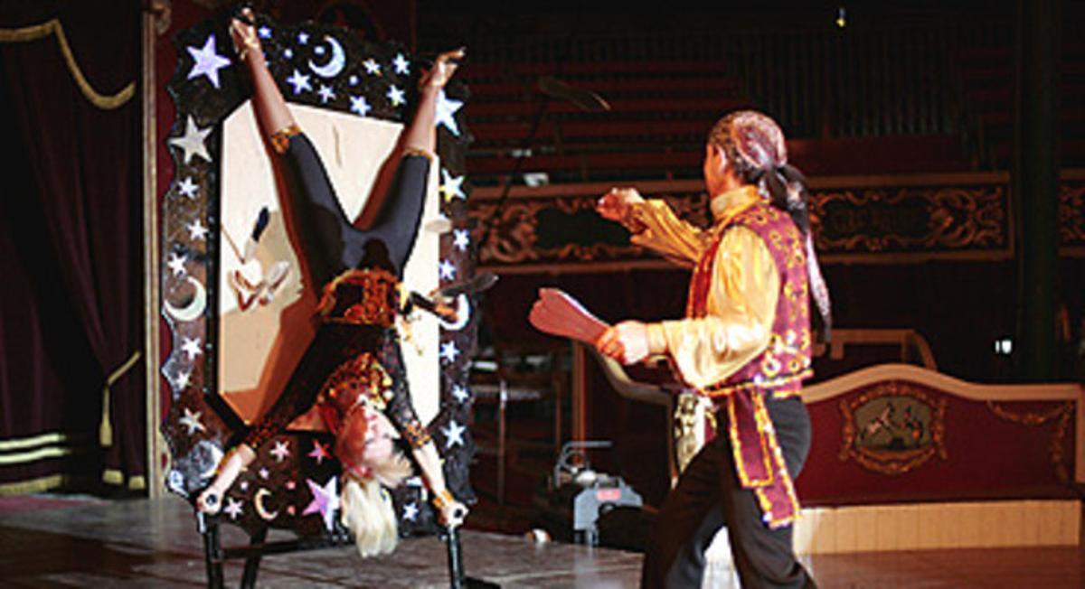 Espectáculo en el Circo Raluy del Moll de la Fusta, Barcelona