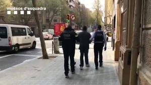 Un detenido por captar a mujeres en Barcelona para actuar como correos de drogas.