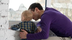 Los permisos de paternidad ya son de 8 semanas.