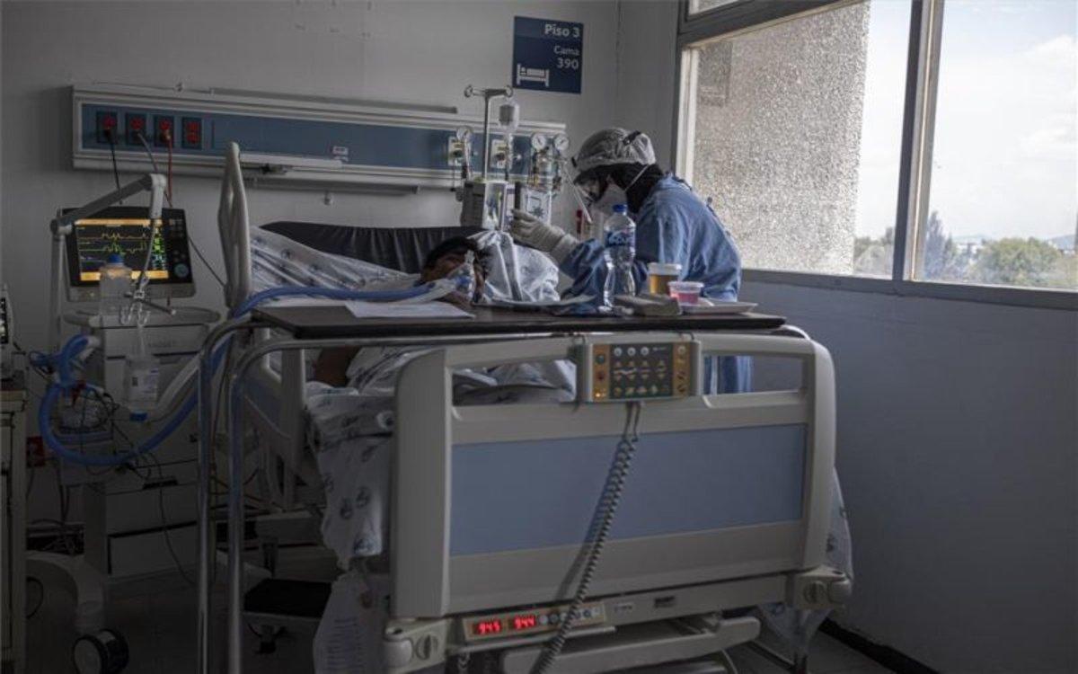Un enfermo de COVID-19 hospitalizado en México.