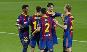 Los jugadores del Barça celebran un gol.