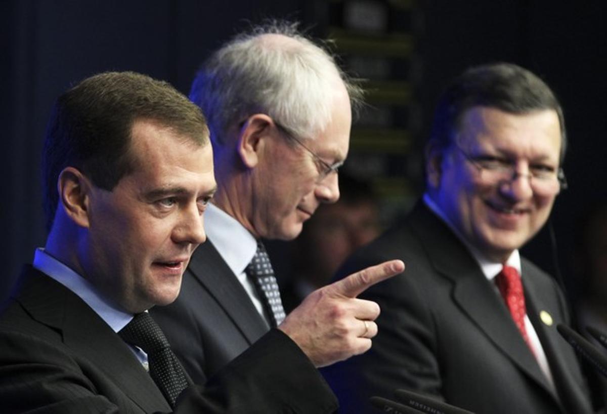 Medvedev, Van Rompuy y Durao Barroso, en Bruselas.