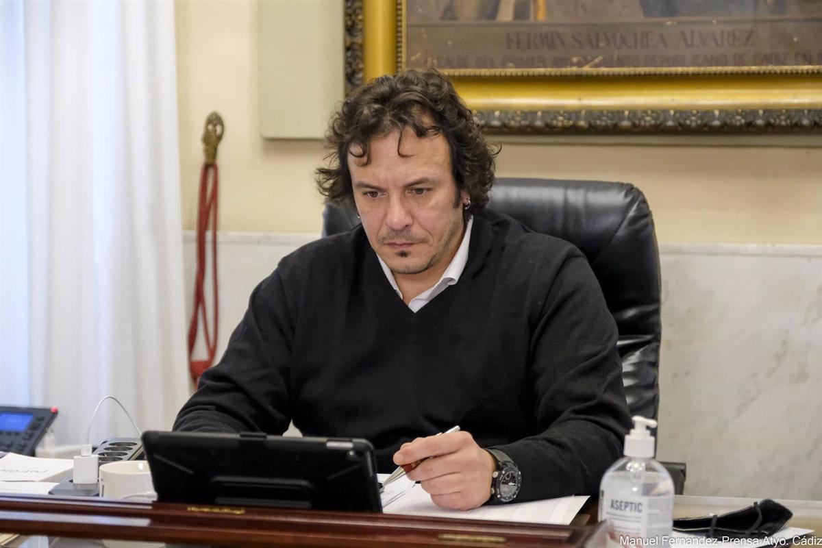 José María González, alcalde de Cádiz.