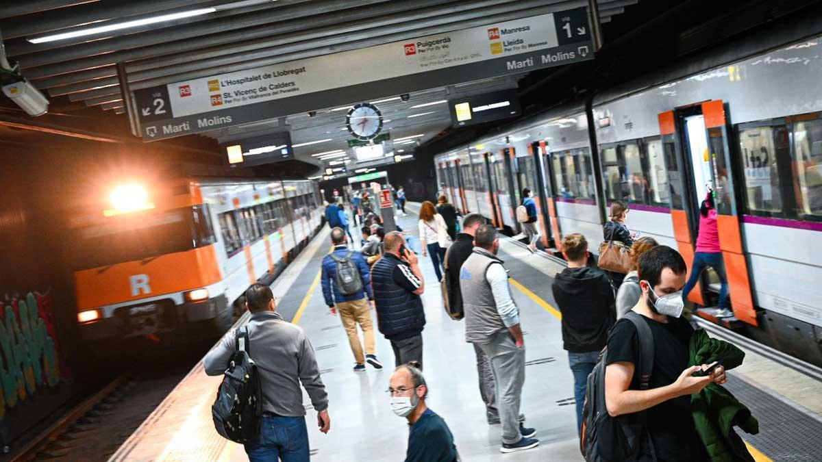 Trenes de Rodalies en la estación de la Sagrera, el 27 de mayo del 2021.