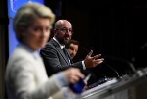 Ursula von der Leyen y Charles Michel, en rueda de prensa en Bruselas.
