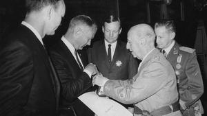 Los astronautas que pisaron la Luna, Armstrong, Aldrin yCollins,con Franco en Madrid.