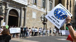 Interins protesten davant el nou Govern per l'estabilització de més de 100.000 d'eventuals