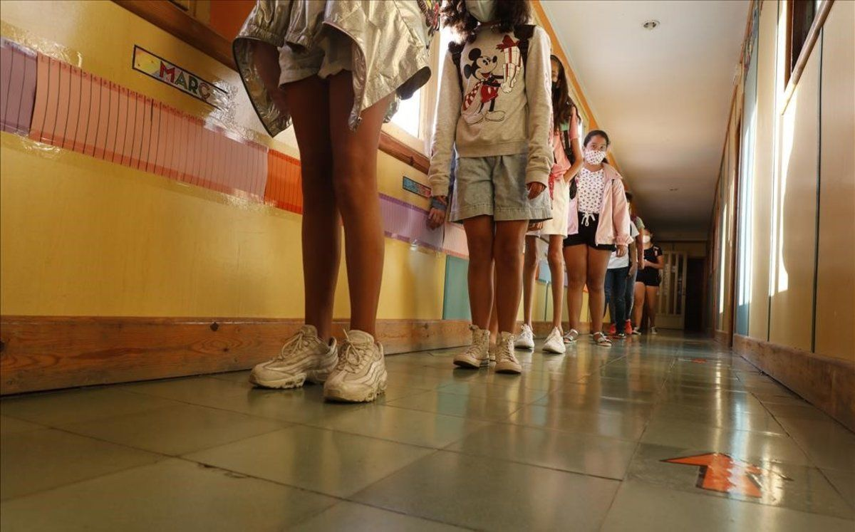 El Govern aprovarà en els pròxims dies la baixa per a pares amb fills en quarantena, segons Drets Socials