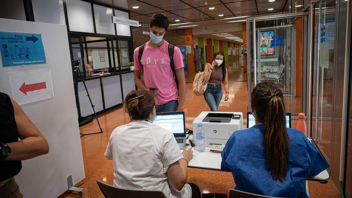 Un centro de vacunación contra el covid en la UPC.