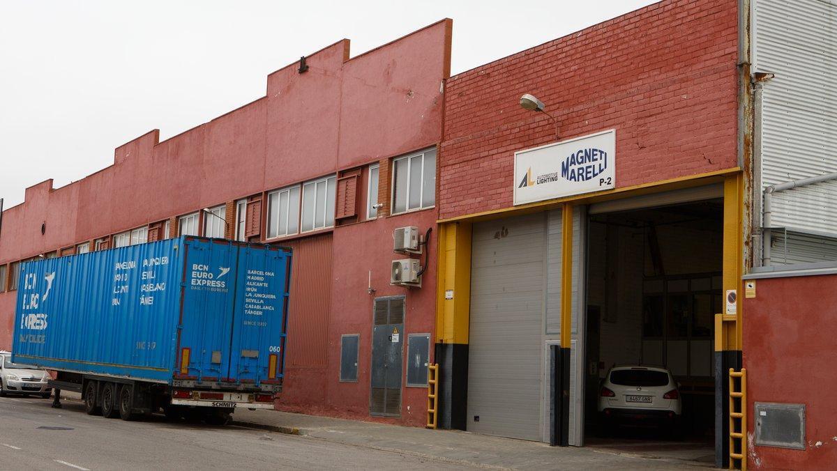 Fachada de la fábrica de Magneti Marelli en Barberà del Vallès.