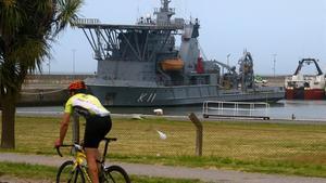 Vista de un buque brasileño en el puerto marítimo de Mar del Plata, el 29 de noviembre.