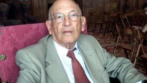 El profesor emerito de la Universidad Complutense y de la Real Academia Espanola Francisco Rodríguez Adrados.