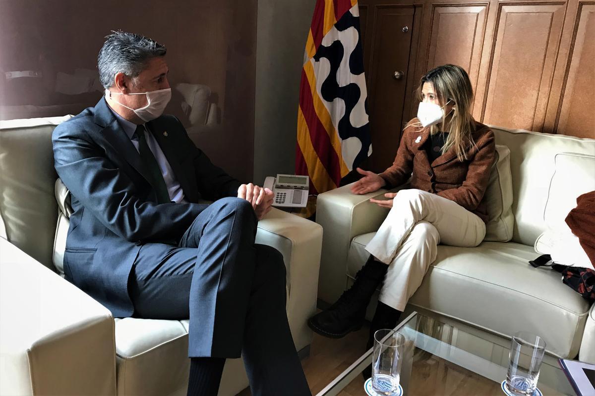 Encuentro entre el alcalde de Badalona, Xavier Garcia Albiol, y la alcaldesa de Santa Coloma, Núria Parlon, el 9 de diciembre de 2020.