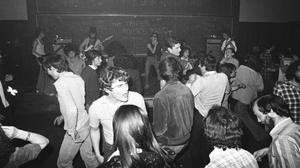 El grupo y sus seguidores fueronpioneros del punk suburbial.