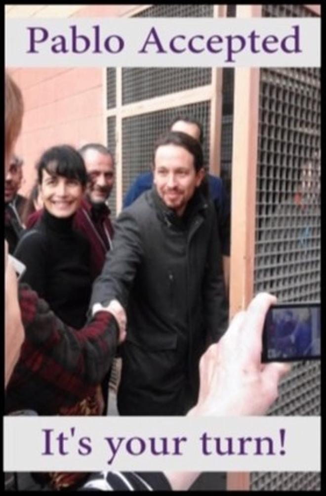 Andrew Funk saluda a Pablo Iglesias en Barcelona y se ofrece a enseñarle a perfeccionar su inglés