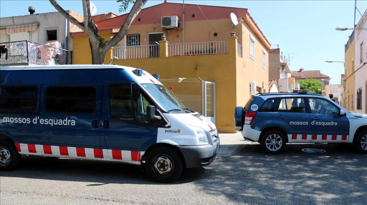 Dos patrullas de los Mossos, en Reus.