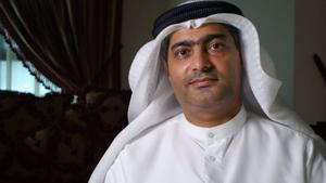 Ahmed Mansur, quatre anys aïllat en una «bruta i petita cel·la» als Emirats
