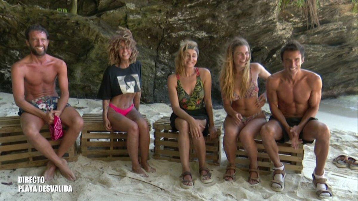 Los concursantes de 'Supervivientes 2020' en Playa Desvalida .