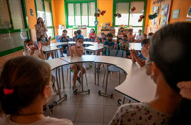 Alumnos y alumnas de un colegio de Barcelona.
