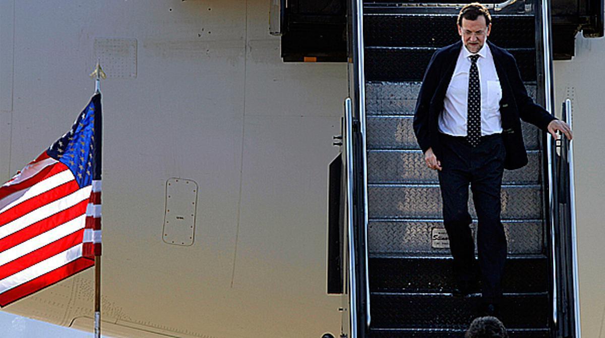 El presidente del Gobierno, Mariano Rajoy, resta importancia a la desviación del déficit hasta el 8'9%.