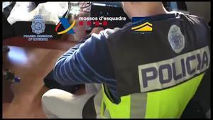Detenidas 7 personas de un grupo dedicado al contrabando de armas y explosivos.