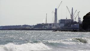 Vista de la planta de energía nuclear de Fukushima en proceso de desmantelamiento.