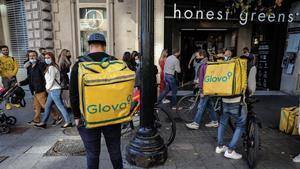 Repartidores de Glovo en Barcelona, en noviembre pasado.