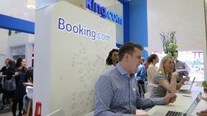 Trabajadores de Booking en una de las sedes de la compañía.