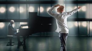 """Cesc Gelabert balla un solo amb el cos """"al límit"""""""